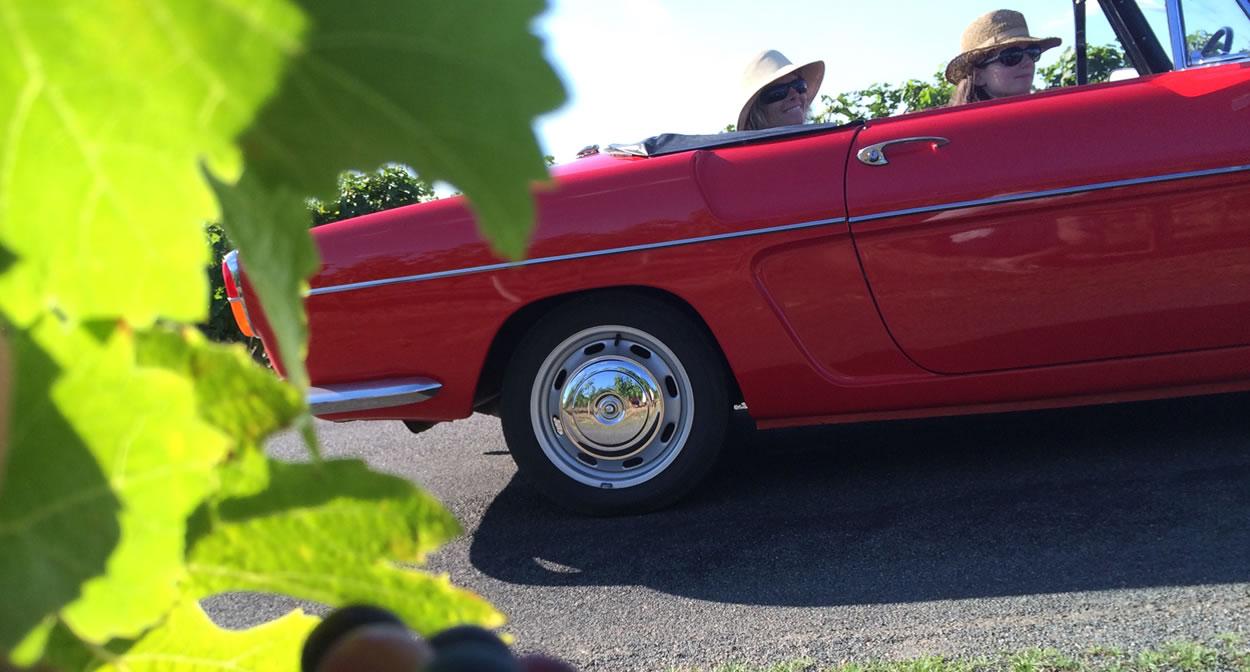 En route pour découvrir le vignoble de l'Anjou © Rétro Emotion