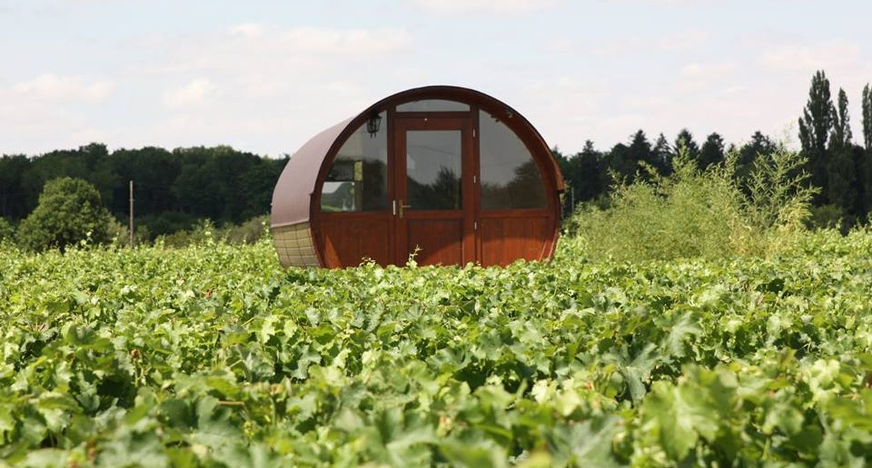 A night in a barrel at Cheverny © Domaine-de-Montcy