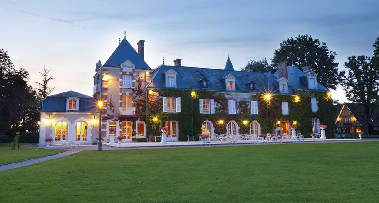 La nuit tombe sur le Domaine des Hauts de Loire © Relais & Châteaux