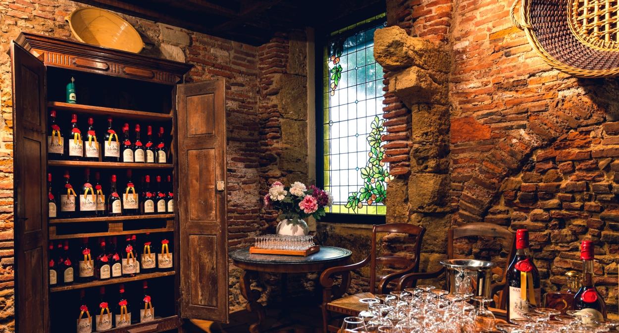 Le salon de dégustation des Armagnacs et des Flocs de Gascogne © Y. Chejovon