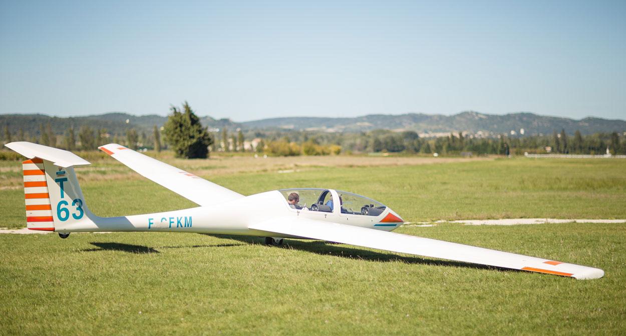 Vol en planeur au-dessus des vignes des Côtes-du-Rhône
