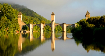 Cahors pont valentre sud ouest ©CRT Midi Pyrénées - P. Thebault