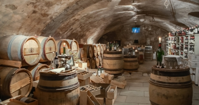 Cave du château comtes de challes dégustation vins de savoie hôtel 3 étoiles ©Châteaux & Hôtels Collection