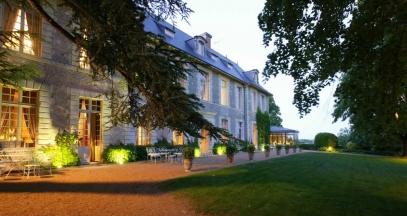 The tufa-stone facade © Relais & Châteaux