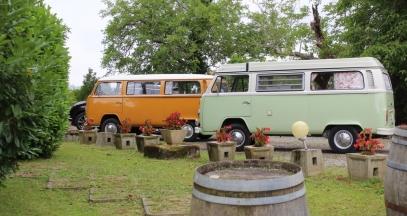 Drive across the vineyard of Jurançon with a camper van © Soupçons en Jurançon