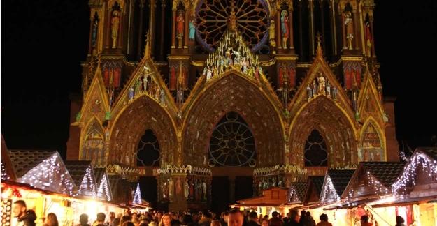 Marché de Noël de Reims & Rêve de Couleurs © L.Mathieu - Reims Tourisme